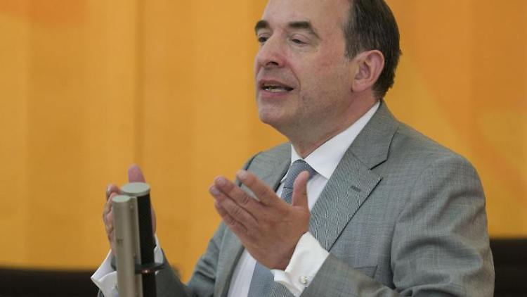 Der hessische Kultusminister Alexander Lorz. Foto: Frank Rumpenhorst/dpa