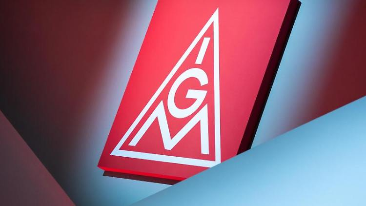 Das Logo der IG Metall. Foto: Daniel Karmann/dpa/Archivbild
