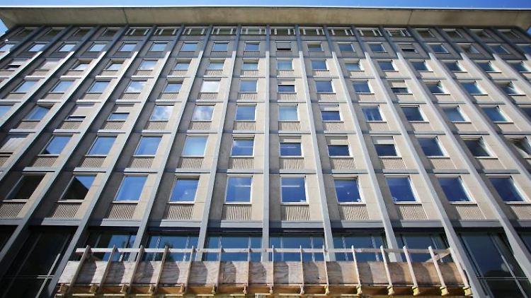 Blick auf das Landgericht in Koblenz. Foto: Fredrik von Erichsen/dpa/Archivbild
