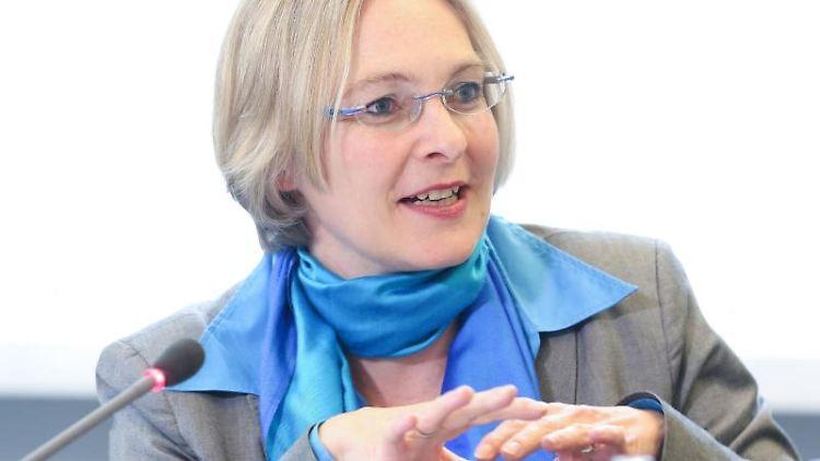 Die Landesbeauftragte für Datenschutz, Imke Sommer, spricht zur Presse. Foto: picture alliance / dpa