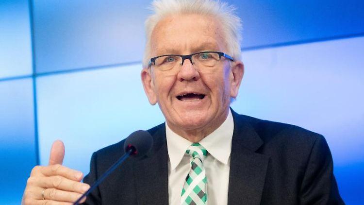 Winfried Kretschmann (Grüne), Ministerpräsident von Baden-Württemberg. Foto: Christoph Schmidt/dpa/Archivbild