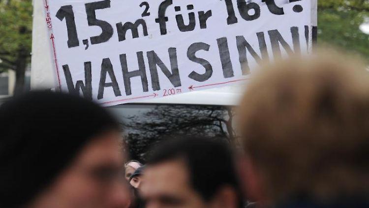 Ein Transparent bei einer Mieten-Demo. Foto: picture alliance / dpa/Archivbild