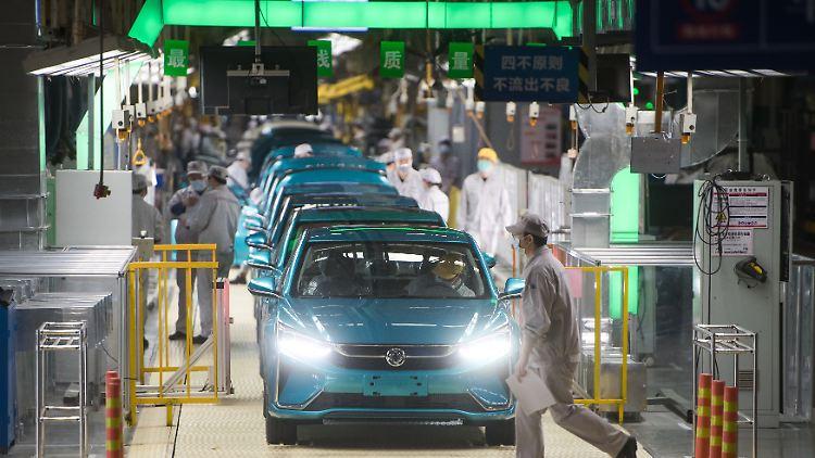 Corona Autofabrik China.jpg