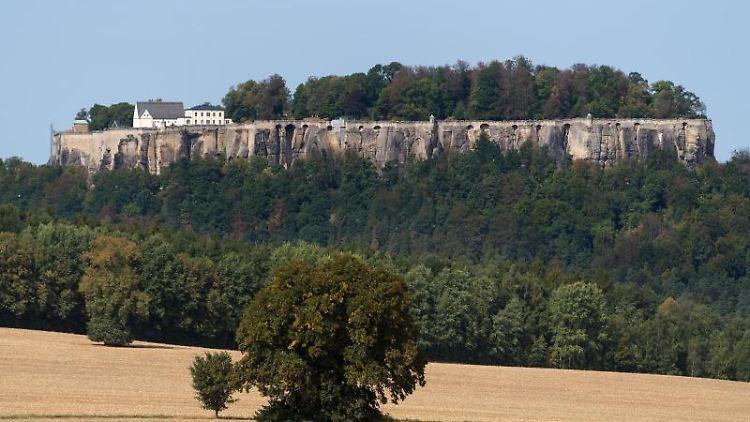 Blick auf die Festung Königstein in der Sächsischen Schweiz. Foto: Monika Skolimowska/ZB/Archivbild
