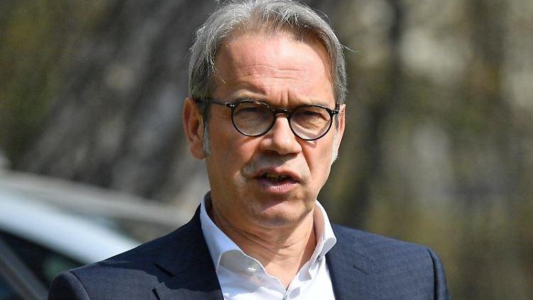 Georg Maier (SPD), Innenminister von Thüringen, spricht. Foto: Martin Schutt/dpa-Zentralbild/dpa/Archivbild