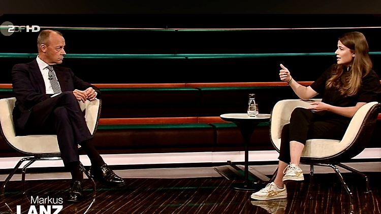 Der Politiker Friedrich Merz im Gespräch mit Klimaaktivistin Luisa Neubauer bei Lanz. JPG.JPG