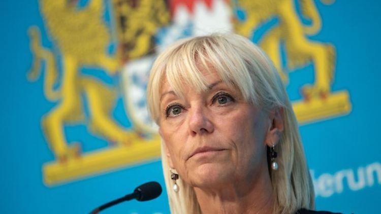 Carolina Trautner (CSU), bayerische Staatsministerin für Familie, Arbeit, Soziales. Foto: Peter Kneffel/dpa/Archivbild