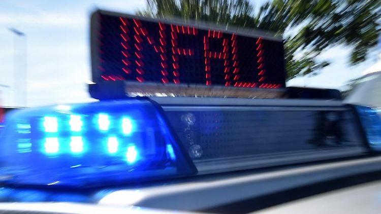 Blaulicht und LED-Laufschrift