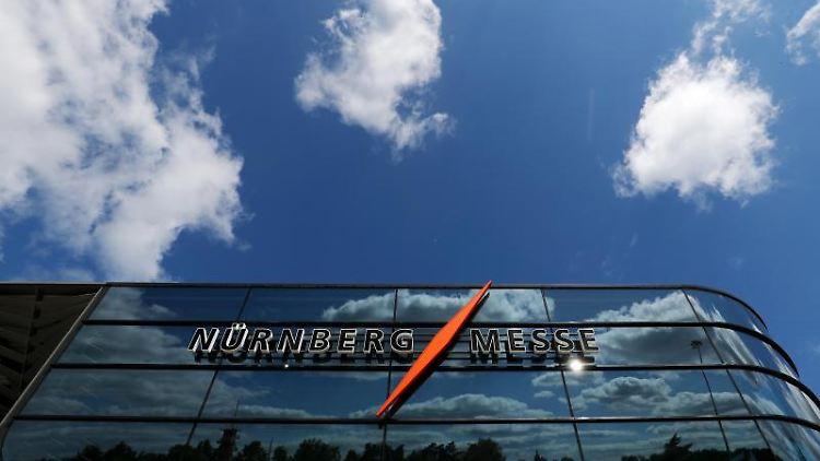Ein Gebäude auf dem Gelände der Messe Nürnberg. Foto: Daniel Karmann/dpa/Symbolbild