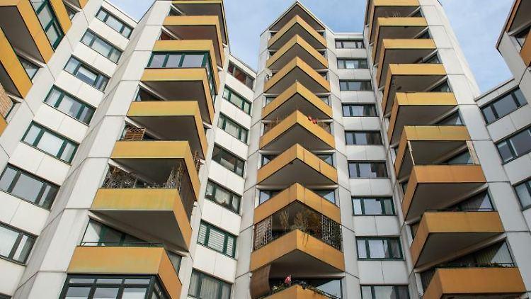 Wohnungen in einem mehrstöckigem Haus. Foto: Lucas Bäuml/dpa