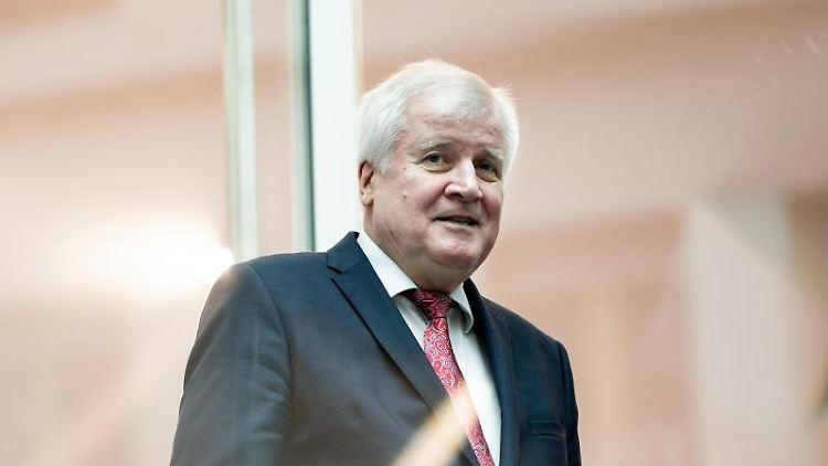 Horst Seehofer (CSU), Bundesminister für Inneres. Foto: Bernd von Jutrczenka/dpa/Archivbild
