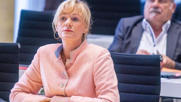 Simone Oldenburg, die Fraktionsvorsitzende der Linken im Landtag von Mecklenburg-Vorpommern. Foto: Jens Büttner/dpa-Zentralbild/dpa/Archivbild