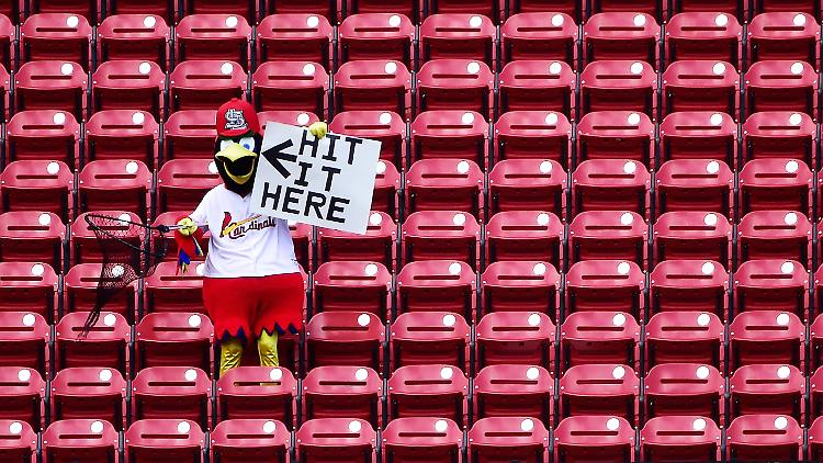 2020-07-26T214057Z_946188699_NOCID_RTRMADP_3_MLB-PITTSBURGH-PIRATES-AT-ST-LOUIS-CARDINALS.JPG