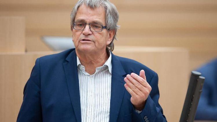Uli Sckerl (Die Grünen), Stellvertretender Fraktionsvorsitzender von Bündnis 90/Die Grünen, spricht. Foto: Gregor Bauernfeind/dpa/Archivbild