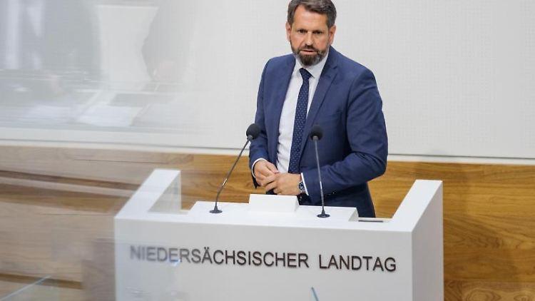 Olaf Lies (SPD), Bauminister in Niedersachsen. Foto: Ole Spata/dpa/Archivbild