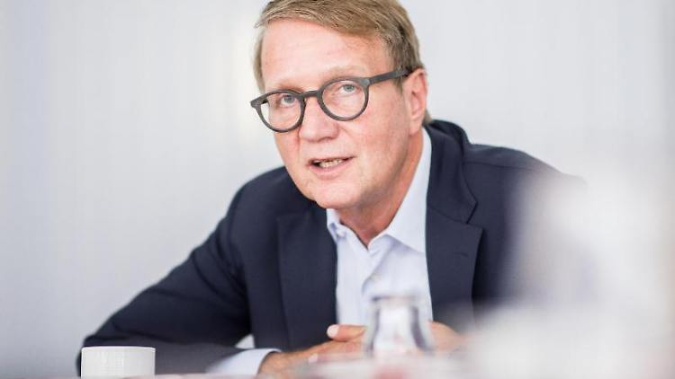 Ronald Pofalla, Vorstand für Infrastruktur bei der Deutschen Bahn. Foto: Marcel Kusch//dpa/Archivbild