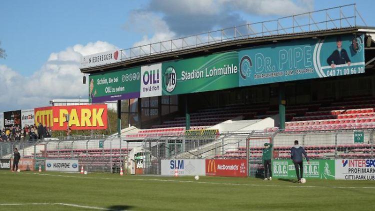 Stadion an der Lohmühle. Foto: picture alliance / Axel Heimken/dpa/Archivbild