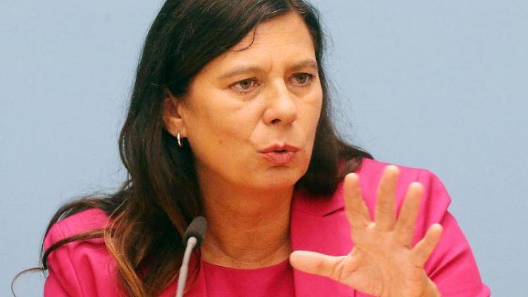 Sandra Scheeres (SPD), Senatorin für Bildung, Jugend und Familie. Foto: Wolfgang Kumm/dpa/Archivbild