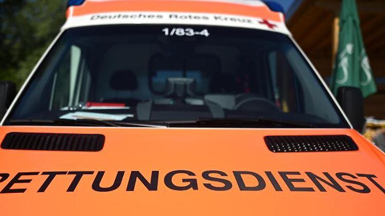 Ein Rettungswagen mit der Aufschrift