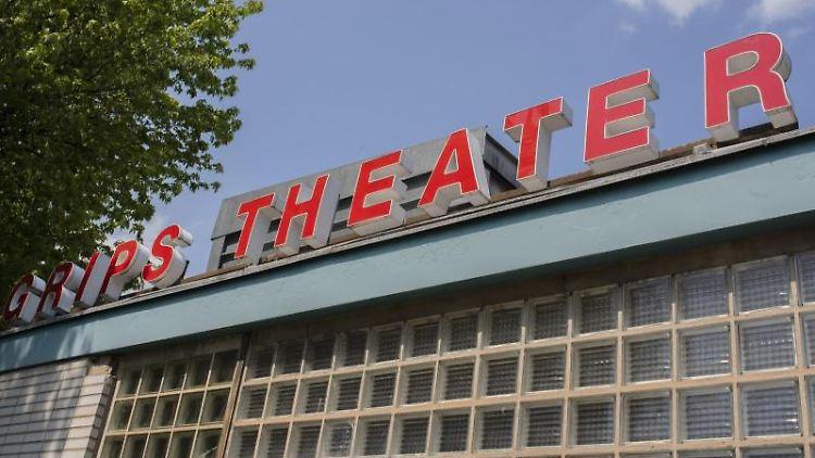 Blick auf das Berliner Grips-Theater. Foto: Theresa Kottas-Heldenberg/dpa/Archivbild