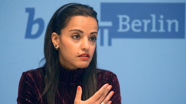 Staatssekretärin Sawsan Chebli. Foto: Wolfgang Kumm/dpa/Archivbild