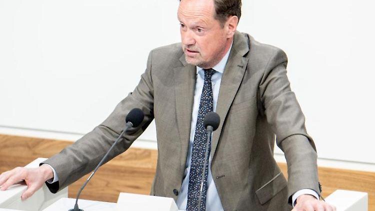 Dirk Toepffer (CDU) spricht im niedersächsischen Landtag. Foto: Hauke-Christian Dittrich/dpa/Archivbild