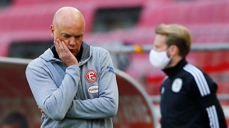 Düsseldorfs Trainer Uwe Rösler. Foto: Thilo Schmuelgen/Reuters-Pool/dpa/Archivbild