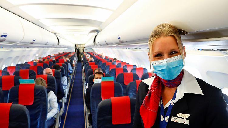 Flugzeug Corona Masken.JPG