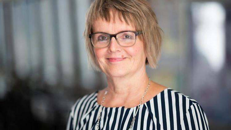 Marlene Schnoor, Geschäftsführerin der Hamburger Volkshochschule. Foto: Daniel Reinhardt/dpa/Archivbild