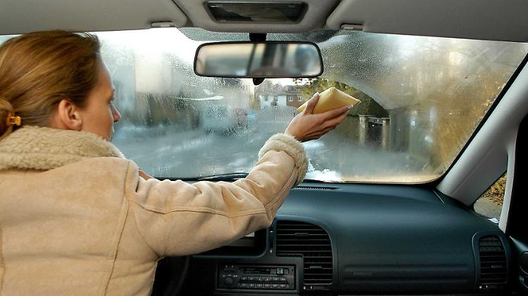 Beschlagene Scheiben Im Auto So Behalten Sie Den Durchblick N Tvde