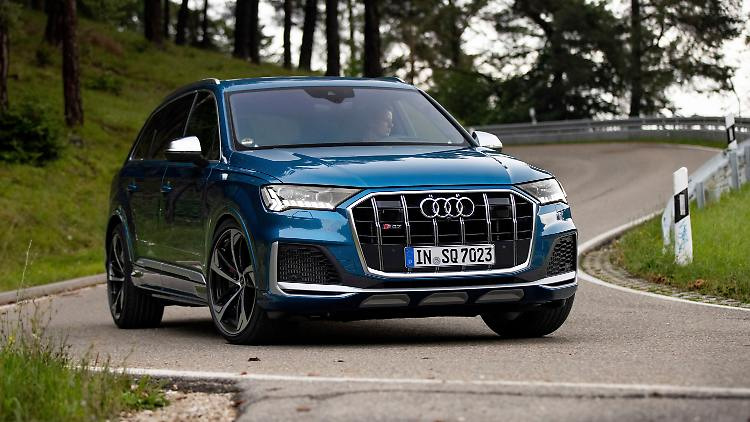 Audi_SQ7_1.jpg