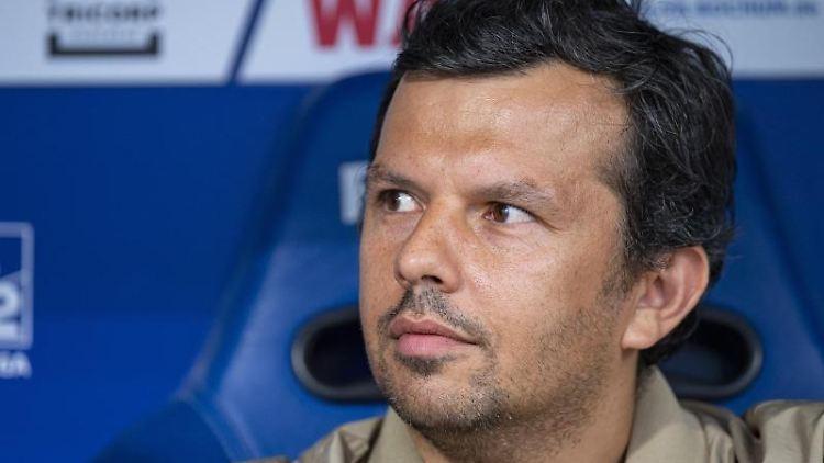 Samir Arabi, Arminia Bielefelds Geschäftsführer Sport. Foto: Guido Kirchner/dpa/Archivbild