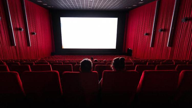 Ein Kinosaal ist zu sehen. Foto: Robert Michael/dpa-Zentralbild/dpa/Symbolbild