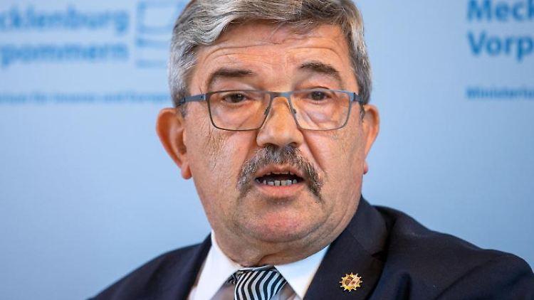 Lorenz Caffier (CDU), der Innenminister von Mecklenburg-Vorpommern. Foto: Jens Büttner/dpa-Zentralbild/dpa/Aktuell