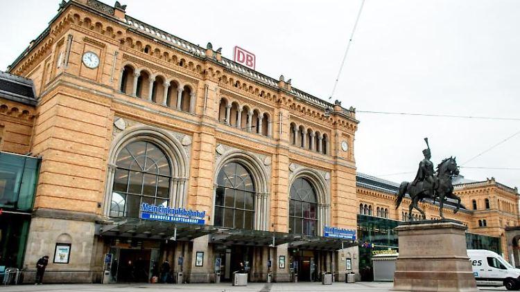 Das Gebäude des Hauptbahnhofs Hannover ist zu sehen. Foto: Hauke-Christian Dittrich/dpa/Archivbild