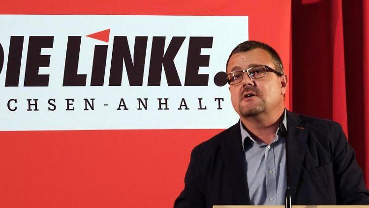 Andreas Höppner spricht auf dem Landesparteitag der Linken in Sachsen-Anhalt. Foto: Peter Förster/dpa-Zentralbild/dpa/Archivbild