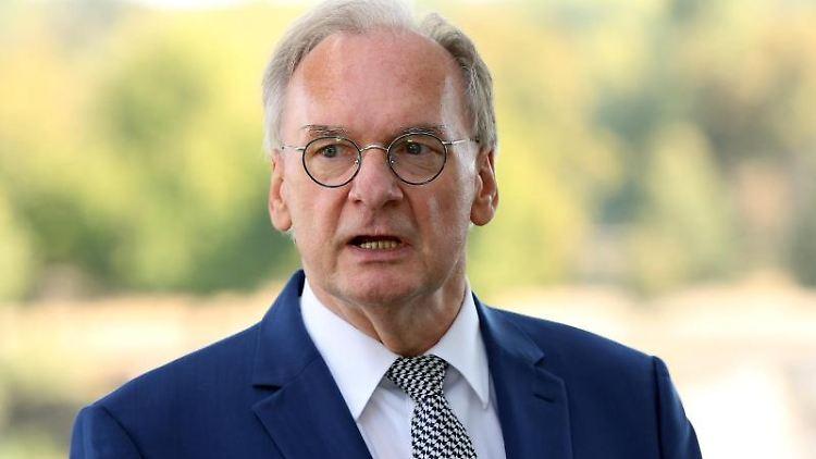 Reiner Haseloff (CDU), Ministerpräsident von Sachsen-Anhalt. Foto: Ronny Hartmann/dpa/Archivbild