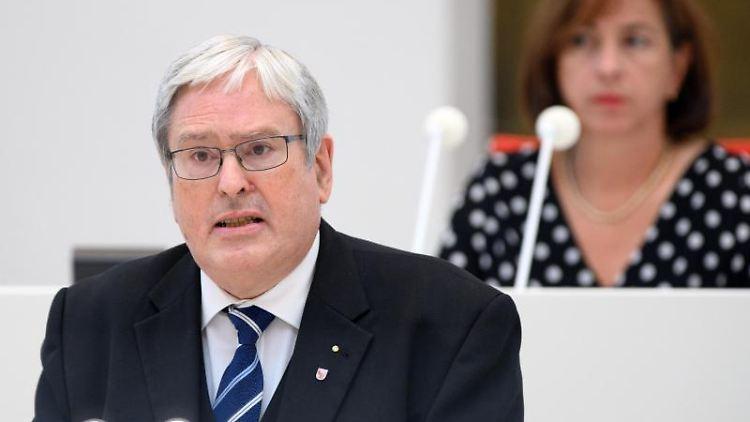 Jörg Steinbach (SPD), Brandenburger Minister für Wirtschaft, Arbeit und Energie. Foto: Soeren Stache/dpa/Archivbild
