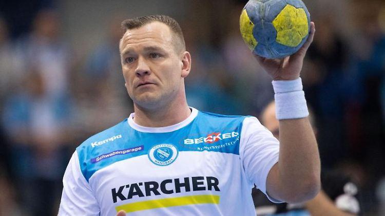 Christian Zeitz im Spiel für den TVB Stuttgart. Foto: Marijan Murat/dpa/Archiv