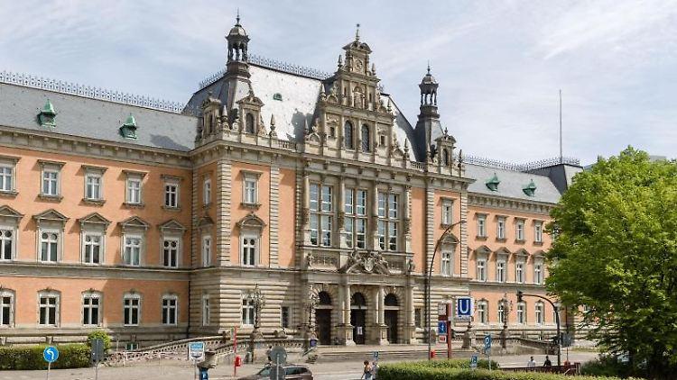 Blick auf das Strafjustizgebäude des Landgerichts Hamburg. Foto: Markus Scholz/dpa/Archiv