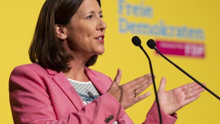 Daniela Schmitt, die designierte FDP-Spitzenkandidatin für die Landtagswahl in Rheinland-Pfalz. Foto: Frank Rumpenhorst/dpa