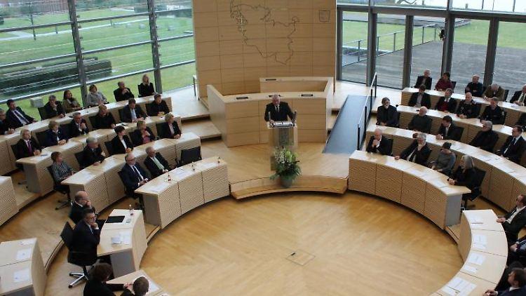Der Landtag von Schleswig-Holstein in Kiel. Foto: Matthias Hoenig/dpa/Archivbild