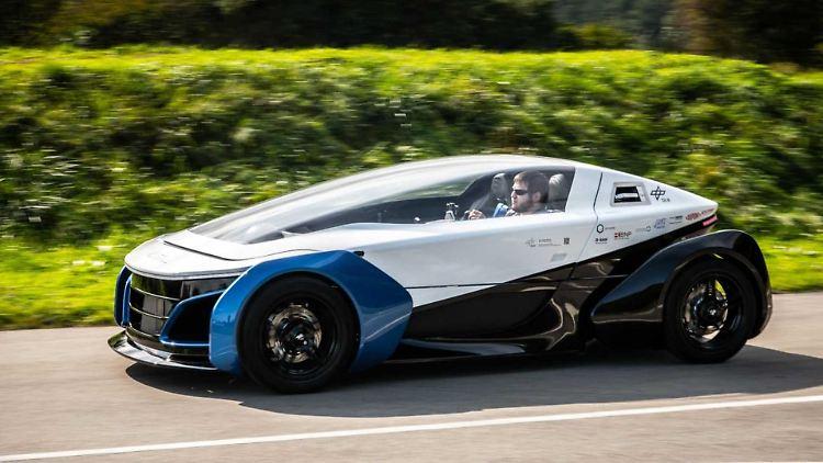 safe-light-regional-vehicle-slrv-das-dlr-hat-ein-elektro-kleinfahrzeug-entwickelt.jpg