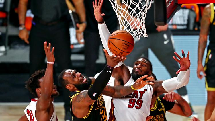 2020-10-10T033309Z_685641116_NOCID_RTRMADP_3_NBA-FINALS-MIAMI-HEAT-AT-LOS-ANGELES-LAKERS.JPG