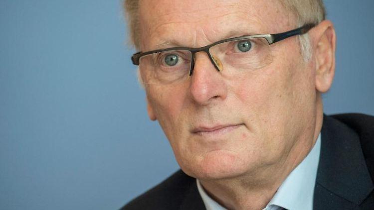 Jochen Homann, Präsident der Bundesnetzagentur. Foto: Boris Roessler/dpa/Archivbild