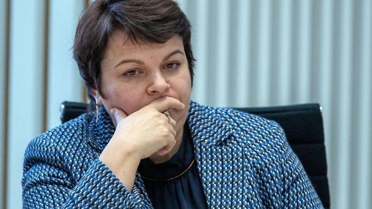 Stefanie Drese (SPD) sitzt imLandtag von Mecklenburg-Vorpommern. Foto: Jens Büttner/dpa-Zentralbild/ZB/Archivbild