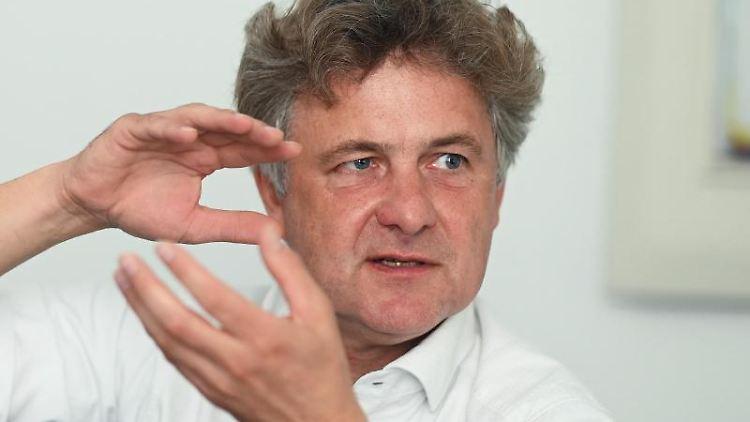 Frank Mentrup (SPD), Oberbürgermeister von Karlsruhe. Foto: Uli Deck/dpa/Archivbild