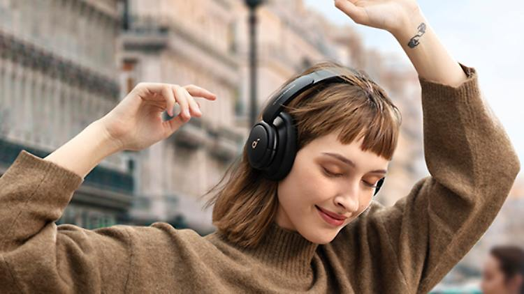Life Q30_Multi-Mode Noise Cancelling - Outdoor.jpg