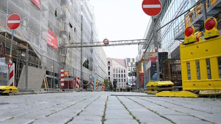 Der Tatort der Attacke unweit des Residenzschlosses in Dresden. Foto: Sebastian Kahnert/dpa-Zentralbild/dpa