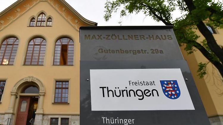 Blick auf den Thüringer Verfassungsgerichtshof in Weimar. Foto: Martin Schutt/dpa-Zentralbild/dpa/Archivbild